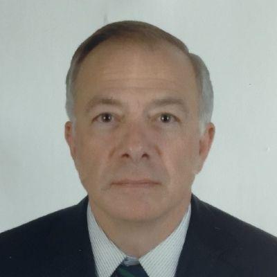 Headshot of Giovanni Di Cola